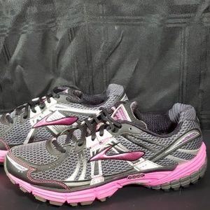 Brooks Adrenaline GTS 12 Black Pink Size 11